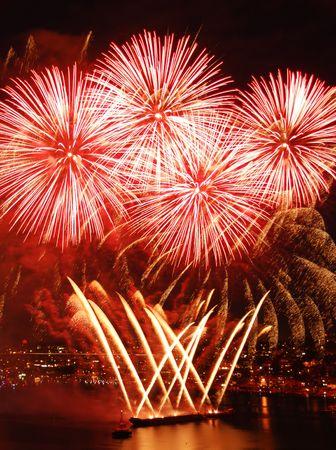 fin d annee: Fireworks sur le Forth de juillet  Banque d'images