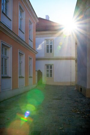 back alley: Back alley in Vienna, Austria