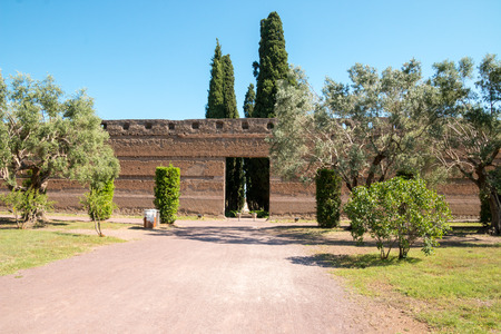 adriana: Hadrians Villa, the Roman Emperors Villa, erected in 118 and 138 AD on 150 acres. It was built by Romes greatest builder, who was inspired by the Greeks and artists of all kind. Publius Aelius Hadrianus built Villa of Hadrian Tivoli, outside of Rom