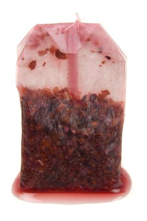 Eine rote verbrauchte Teebeutel isoliert auf weißem Hintergrund Standard-Bild - 14770556