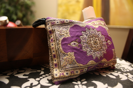middle-eastern money purse