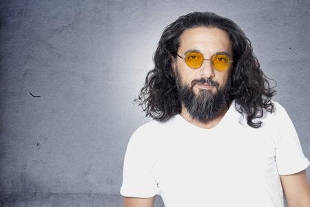 capelli lunghi: Ritratto di giovane uomo Archivio Fotografico