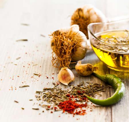 pimenton: ajo aceite de oliva y especias de cerca