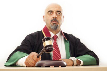 knocking: Judge knocking gavel