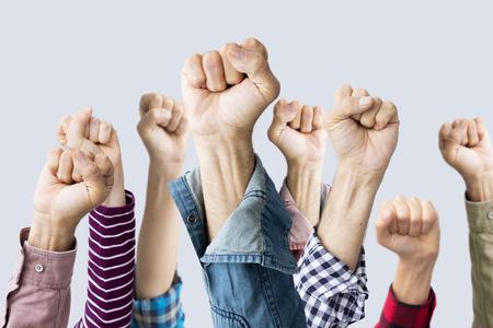 空気で育った拳のグループ