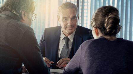 Business people discussion advisor concept Zdjęcie Seryjne