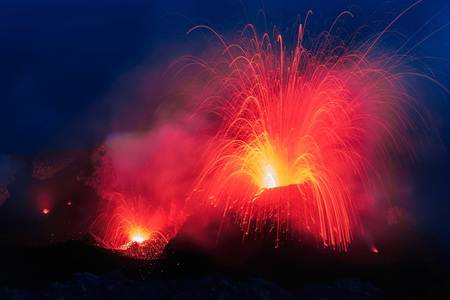 eruption: Stromboli is a panoramic eruption on an active crater