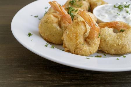 Shrimp fried in batter with Tartar sauce Stockfoto