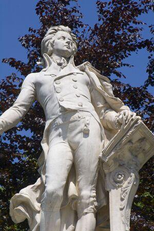 mozart: Vienna - mozart statue