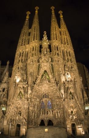 christendom:  Barcelona - cathedral Sagrada la Familia in night  Editorial