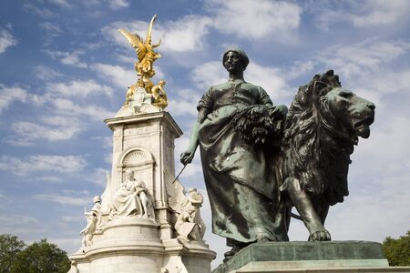 London - victory landmark by Buckingham palace - agriculture Stock Photo - 11798680