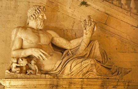 tiber: Roma - estatua del T�ber para Palazzo Senatorio