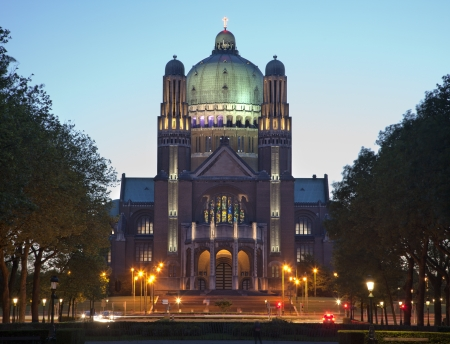 sacred heart: Brussels - National Basilica of the Sacred Heart in evening