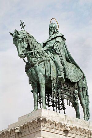 stephen: Budapest - King St Stephen monumento