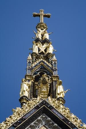London - summit of Prince albert memorial