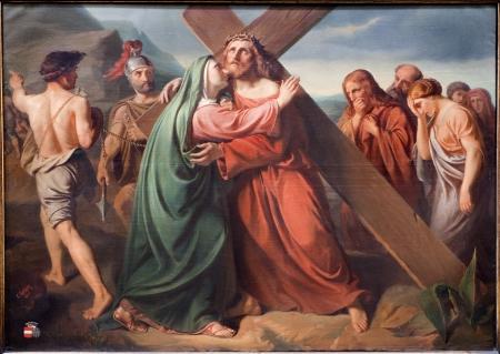cat�licismo: BRUSELAS - 21 DE JUNIO Jes�s bajo la cruz y la pintura de Mar�a de la iglesia Notre Dame du Finstere por Leclercq CE el 21 de junio de 2012 en Bruselas