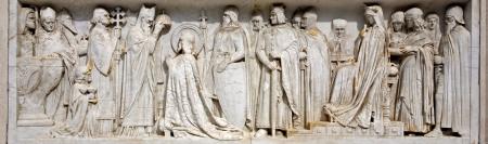 stephen: Budapest - santo re st incoronazione Stefano - dettaglio del st Stephen memoriale