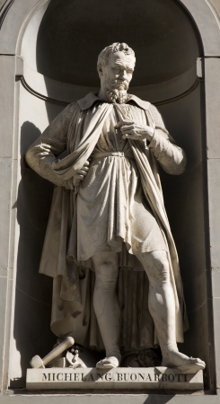 colourer: Florence - Michelangelo statue on the facade of Uffizi gallery
