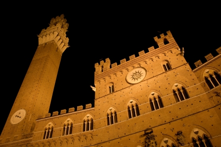townhall: Siena - Town-hall and Torre del Mangia in the night
