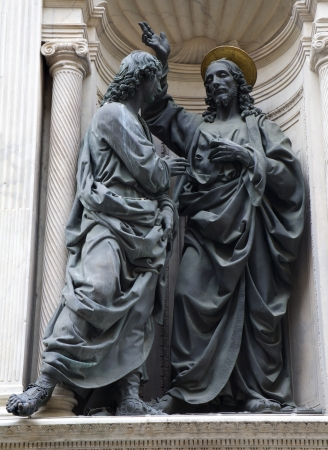 jesus statue: Florence - Christ and apostle Thomas on the facade of Orsanmichele