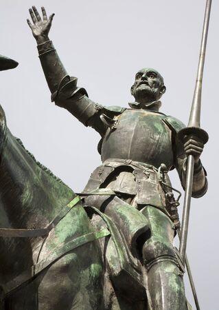 don quichotte: Madrid - Don Quichotte de Cervantes monument statue du sculpteur Lorenzo Valera Coullaut 1925 - 1930 sur la Plaza Espana �ditoriale
