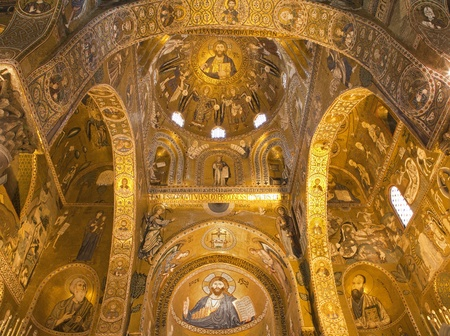 cappella: PALERMO - 08 de abril Mosaico de Cappella Palatina - Capilla Palatina en Norman palacio en el estilo de la arquitectura bizantina del a�o 1132 a 1170 el 8 de abril de 2013 en Palermo, Italia