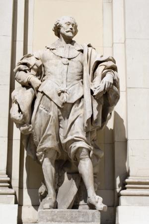 colourer: velasquez statue on the facade of vienna museum  Stock Photo