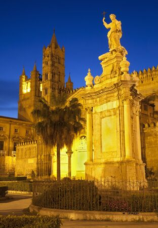 santa rosalia: Palermo - west towers of Cathedral or Duomo at dusk and Santa Rosalia memorial Stock Photo