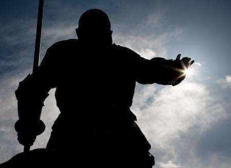 don quichotte: MADRID - 10 mars: Silhouette de Don Quichotte statue de Cervantes monument du sculpteur Lorenzo Coullaut Valera (1925 - 1930), sur la Plaza Espana le 10 Mars 2013 � Madrid