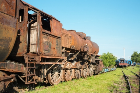 addle: old steam locomotive in the rust
