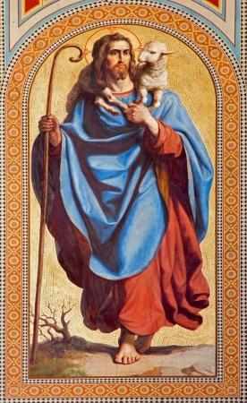 VIENNA - 27 luglio: Affresco di Gesù Cristo come Buon Pastore di Karl von Blaas da 19. cent. nella navata della chiesa Altlerchenfelder il 27 lug 2013 Vienna. Archivio Fotografico - 21519619