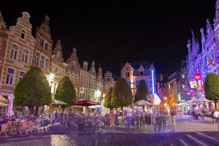 leuven: LEUVEN, BELGIUM - SEPTEMBER 3: Nighty life on the Oude Markt on September 3, 2013 in Leuven, Belgium.