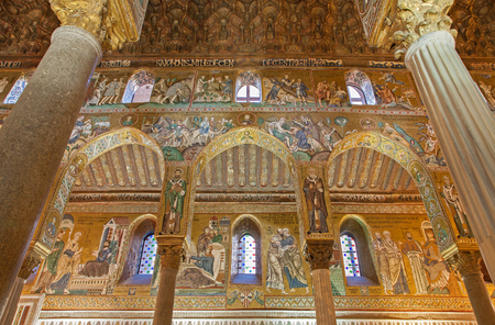 cappella: PALERMO - APRIL 8: Mosaic of Cappella Palatina - Palatine Chapel in Norman palace in style of Byzantine architecture from years 1132 - 1170 on April 8, 2013 in Palermo, Italy.