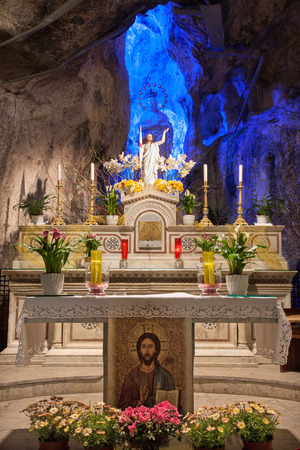 santa rosalia: PALERMO - APRIL 9: Statue of resurrected Christ and hl. Mary in cave of Santuario santa Rosalia. The cave is a holy shrine on mount Pelegrino over Palermo on April 9, 2013 in Palermo, Italy