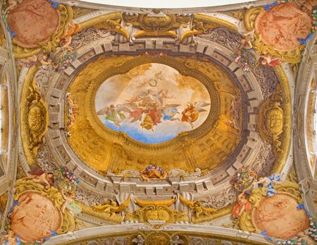 cappella: BOLOGNA, Italia - 16 de marzo 2014: el fresco del techo de la Capilla del Rosario o Cappella del Rosario en la iglesia barroca de San Domenico - Santo Domingo de Angelo Michele Colonna e Agostino Mitelli (1655-1657).