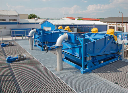 vibration: vibration shaker from dewatering technology