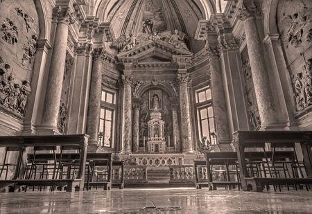 cappella: VENECIA, Italia - marzo 12, 2014: Cappella di San Domenico, en la Bas�lica di San Giovanni e Paolo.