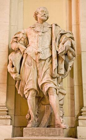 colourer: Vienna - Peter Paurl Rubens statue on the facade of vienna museum of art