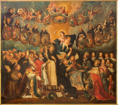 różaniec: Antwerpia, Belgia - 06 września 2013: Święty Dominik z różańcem i Madonna (17 centów przez nieznanego malarza w kościele św Willibrordus..