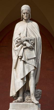 dante alighieri: Padua - The statue of Dante Alighieri in the porch of the Lodge Amulea by Vincenzo Vela from year 1865.
