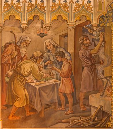 pesaj: Trnava, Eslovaquia - 14 de octubre 2014: El fresco neog�tica de escena fhe como israelitas en la cena de Pesaj en la Pascua del Se�or por Leopold Bruckner (1905 - 1906) en la Iglesia de San Nicol�s. Editorial