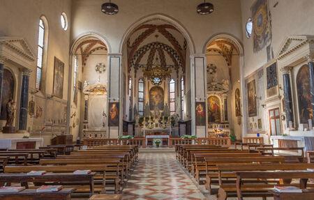 nave: PADUA, ITALY - SEPTEMBER 8, 2014: The nave of church San Francesco del Grande. Editorial