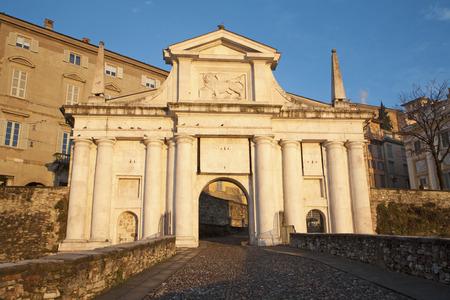 san giacomo: Bergamo - San Giacomo gate - Porta San Giacomo in morning light