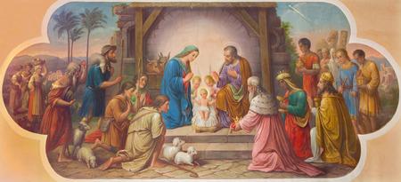 VIENNA, AUSTRIA - DECEMBER 17, 2014: Fresco of Nativity scene by Josef Kastner the older from 20. cent. in Erloserkirche church. 新聞圖片