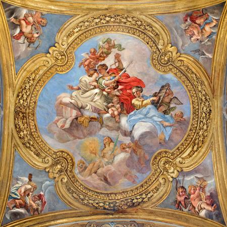 the church: ROMA, Italia - 25 de marzo 2015: El fresco de las virtudes de la pequeña cúpula de la nave lateral de la iglesia Basílica de San Ambrogio e Carlo al Corso por Giacinto Brandi (1621-1691).