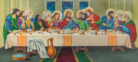 virgen maria: JERUSALÉN, ISRAEL - 03 de marzo 2015: La pintura de la última cena del artista Andranik (2001) en la madera en la iglesia ortodoxa Tumba de la Virgen María por el artista desconocido de 19. ciento.