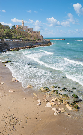 jafo: TEL AVIV, ISRAEL - MARCH 2, 2015: The waterfront and beach under old Jaffa in Tel Aviv