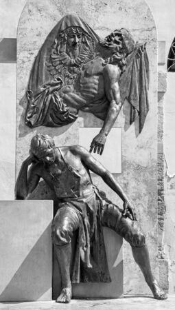 belmonte: CORDOBA, SPAIN - MAY 26, 2015: The memorial of sculptor Juan de Mesa y Velasco (1583 - 1627) by Jose Manuel Belmonte (2004). Editorial