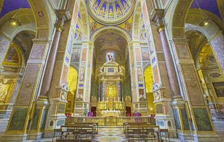 chiesa: ROME, ITALY - MARCH 27, 2015: The nave of church Chiesa di Sant Agostino Augustine. Editorial