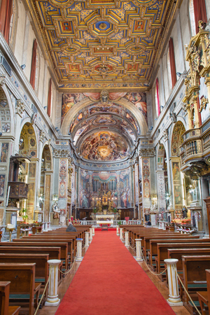 nave: ROME, ITALY - MARCH 27, 2015: The nave of church Santo Spirito in Sassia. Editorial
